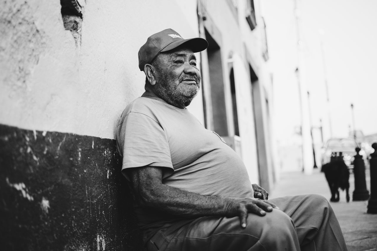 Beautiful stock photos of mexiko, real people, sitting, building exterior, senior adult