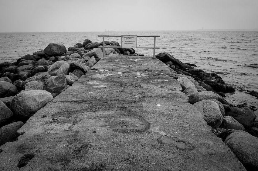 Sea Nature Stones Stones And Water Horizon Over Water Water Black And White Blackandwhite Black & White