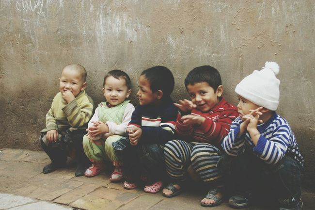 Togetherness Bonding Childhood Looking At Camera Innocence Innocent Eyes Children Of The World Children Children Photography Beautiful Children Looking At Camera Xinjiang Of CHINA Toddler  People And Places