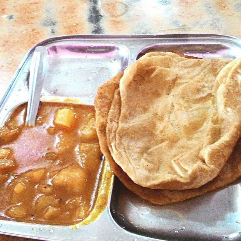 😁 Fatty Food 👄 Puri Bhaji Veg Travels Masala