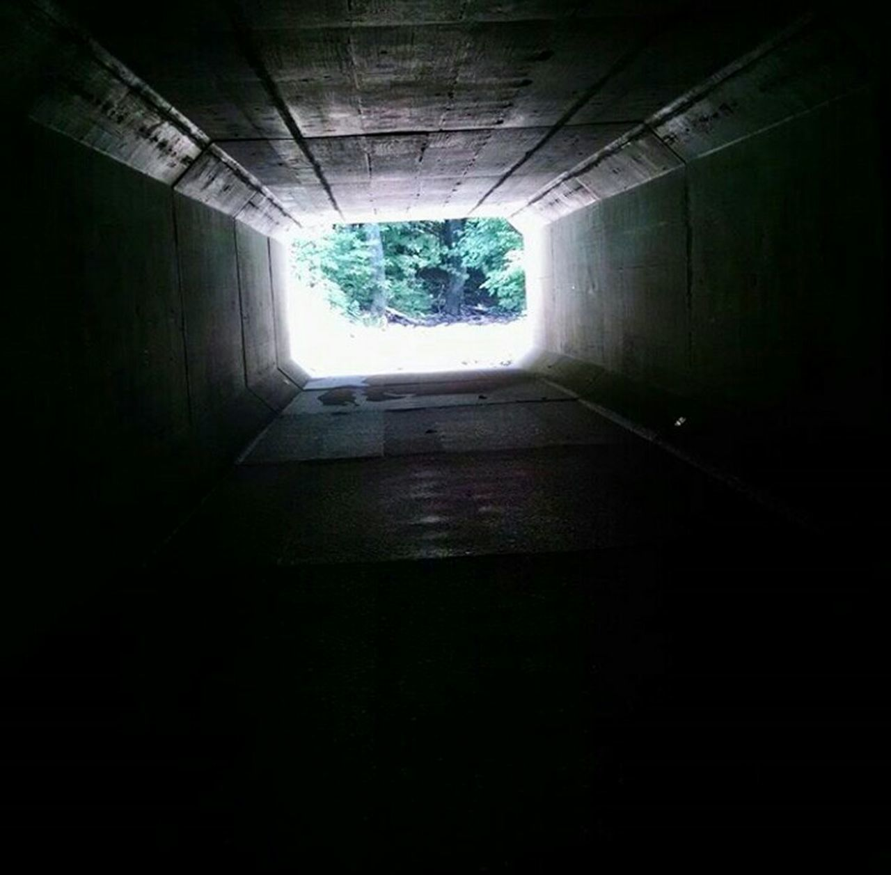 tunnel, indoors, light at the end of the tunnel, the way forward, day, no people, architecture