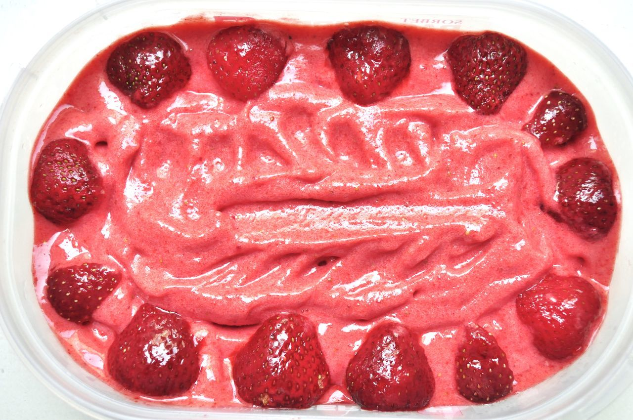 Banana Ice Cream Berry Fruit Candy Clean Eating Food Food And Drink Foodphotography Foodporn Freshness Healthy Healthy Eating Homemade Homemade Food Ice Ice Cream Icecream Indulgence Organic Red Strawberry Strawberry Ice Cream Summer Sweet Temptation