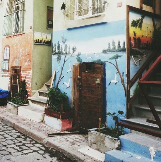 Hello World Taking Photos Istanbul Turkey Turkey Oldiesbutgoldies Blue Wall Wallart