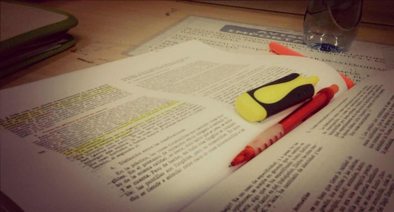 life is too short... Studying University Reading Derecho