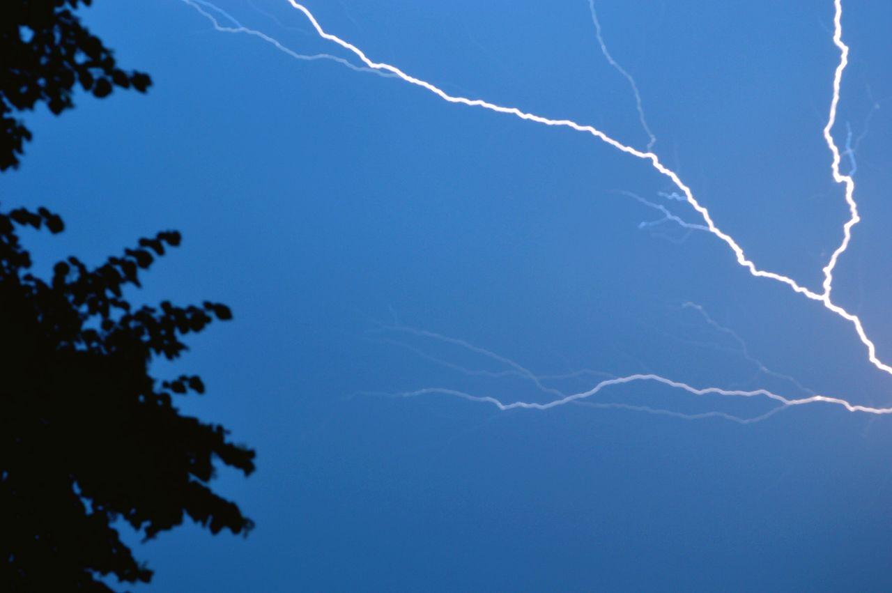 Beautiful stock photos of lightning, Branch, Dusk, Germany, Lightning