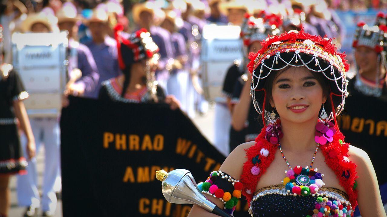 The flower queen of Chaing Mai . Open Edit Depth Of Field South Portrait Of A Woman EyeEm Masterclass Bokeh