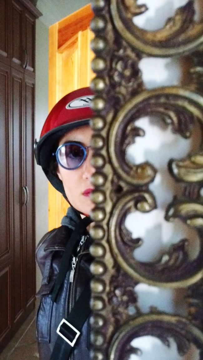 Sunclasses Helmet Face Mirror People Art Taking Photos Photos Around You Driving Around Selfie