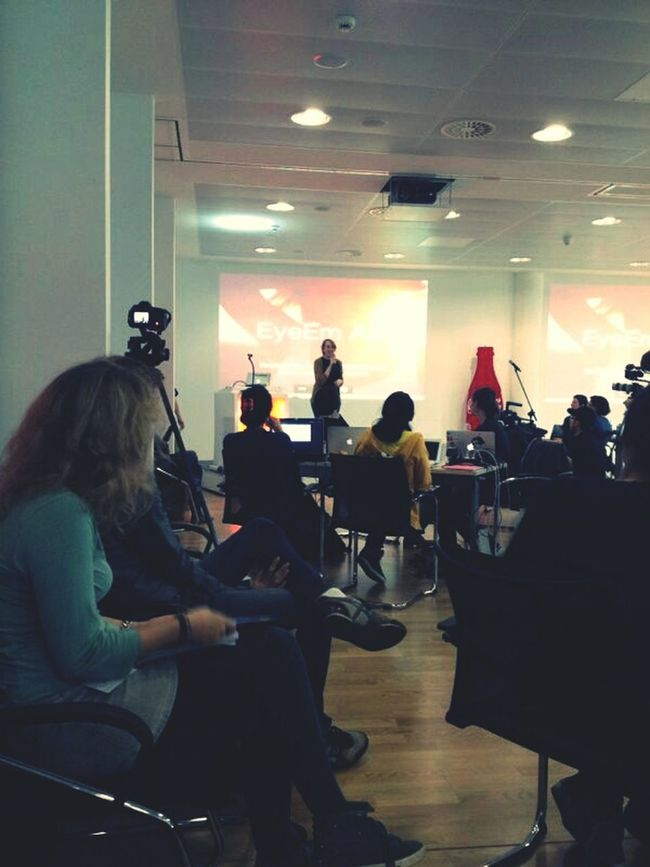 Team EyeEm presenting our api at the Berlin Geekettes Hackathon