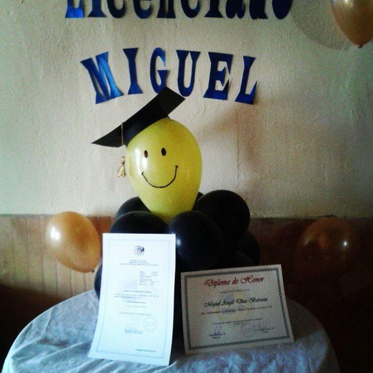 Ya licenciado ufff....😭😭😭😭 Licenciatura2014 Licenciado  Afta Instapic Instachile Instalicenciatura