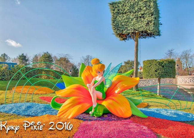 Flower Art Creativity Art And Craft Multi Colored Freshness Growth Outdoors Flower Head Day Petal Fragility No People Growing Cloud - Sky Disneylandparis Disneyland Magic Moments Disneyland Resort Paris Disneyland Paris Photography HDR Hdrphotography