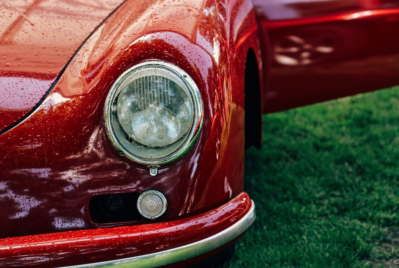 Headlight Land Vehicle Transportation Mode Of Transport Car Old-fashioned Close-up Luxury Day No People Outdoors Stationary Grass