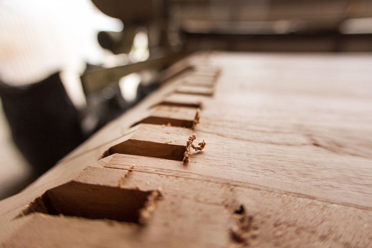 Adult Adults Only Business Finance And Industry Carpentry Chair Close-up Day Human Body Part Human Hand Indoors  Madera Musical Instrument One Person People Piano Skill  Wood Wood - Material Wooden Wooden Post Wooden Texture Woods Working Fresh On Market 2016