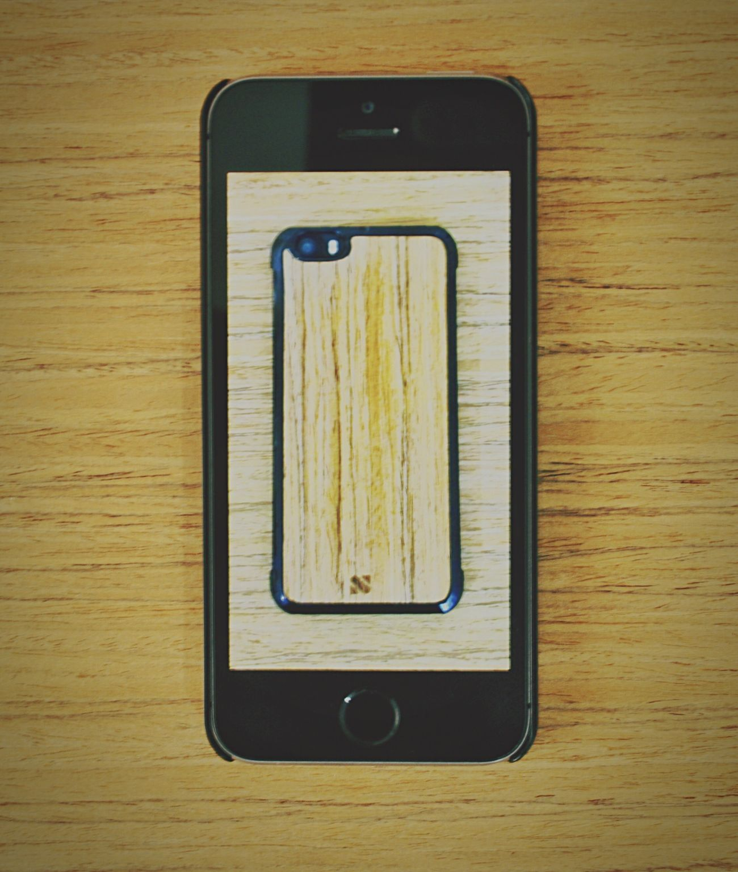 Case Wood. 📱 Wood IPhone Case Nature Minimalism Green Creative Essegnum Hello World