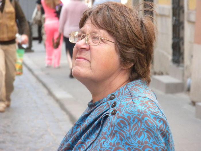 Girl Power Cool Street View City Life Buildings Human Woman Woman Portrait Grandma Grandmother Grandmum Grandmummy Natural Light Portrait in Lviv Ukraine The City Light The Street Photographer - 2017 EyeEm Awards The Portraitist - 2017 EyeEm Awards Second Acts Fashion Stories