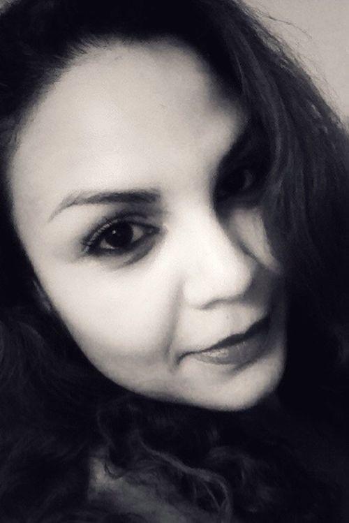 Faces Of EyeEm Woman Latina Puertorriqueña Face Wild Hair Self Portrait Lips Eyes Look