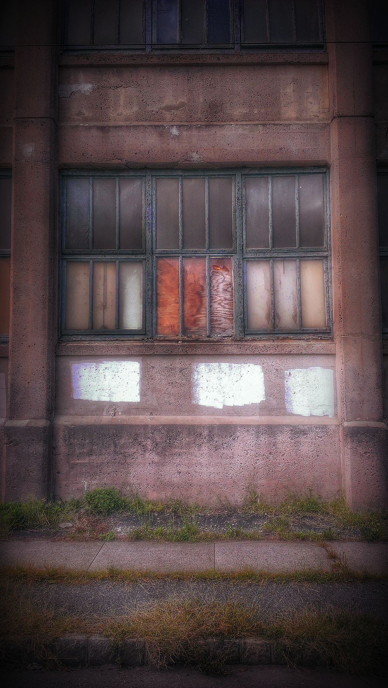 Eye Of The Tiger... Window Outdoors Built Structure Brick Wall Deterioration Urban Tresspassing For Art Abandoned & Derelict Urbexphotography Abandoned Buildings No People AMPt - Abandon Abandoned Places AMPt - My Perspective AMPt - Street Building Exterior Broken Window Weathered Abandoned Urbanphotography Urban Lifestyle Pastel Power