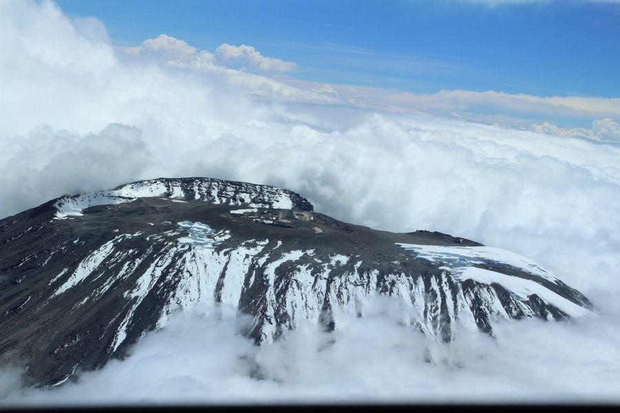 Flyby Mount Kilamanjaro Taking Photos