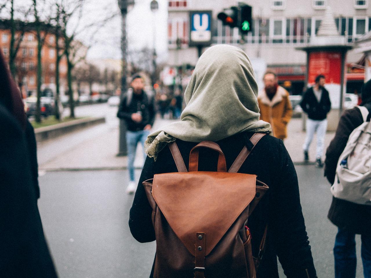 hermannplatz, neukölln Hermannplatz Hijab Woman