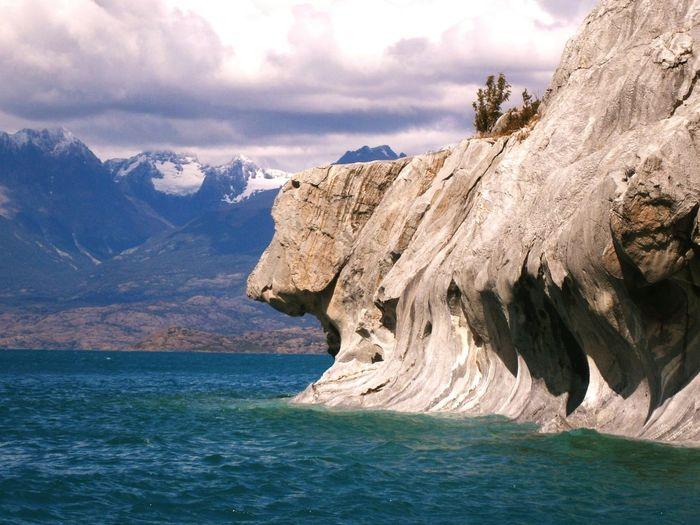 Roca con forma cabeza de perro, Lago General Carrera, Puerto Río Tranquilo Carretera Austral Camping Patagonia Chilena Naturaleza Mochilero Fotografia