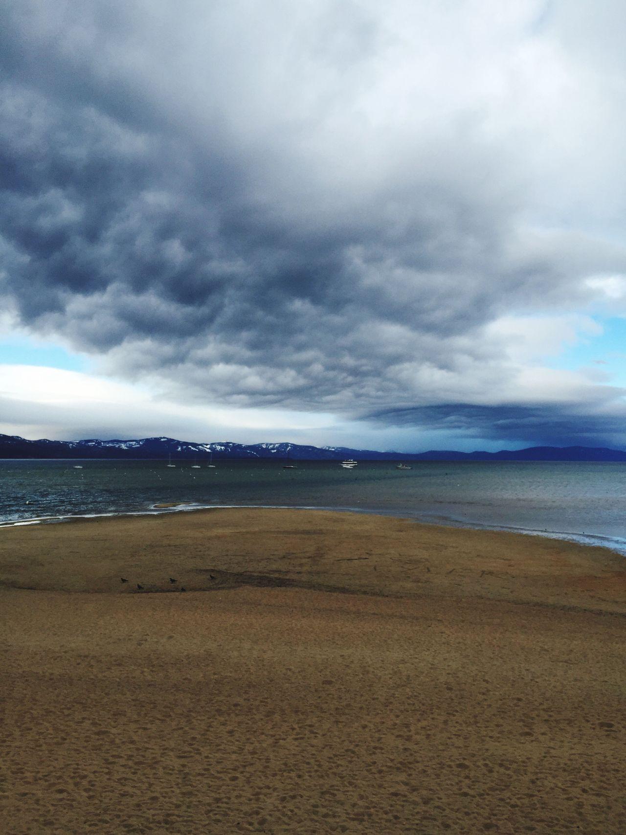 Lake Tahoe, Ca Beach Wintertime Tahoe Beach Beach Mountains Cloudy Day Storm Cloud