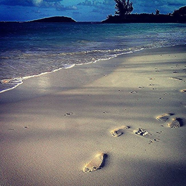 """Take nothing but pictures. Leave nothing but footprints. Kill nothing but time."" Yogi Yoga Coopersisland Traveller TreadLightly Freespirit Bermuda Island life Clearwaterbeach"