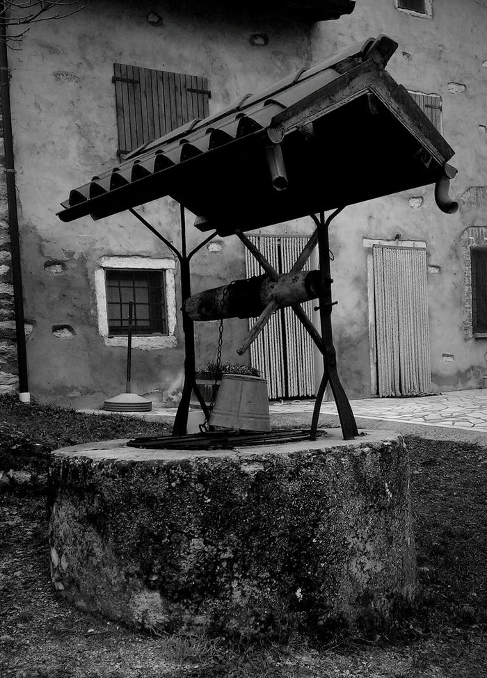 Taking Photos Monochrome Blackandwhite Pozzo Antique Blackandwhitephotography