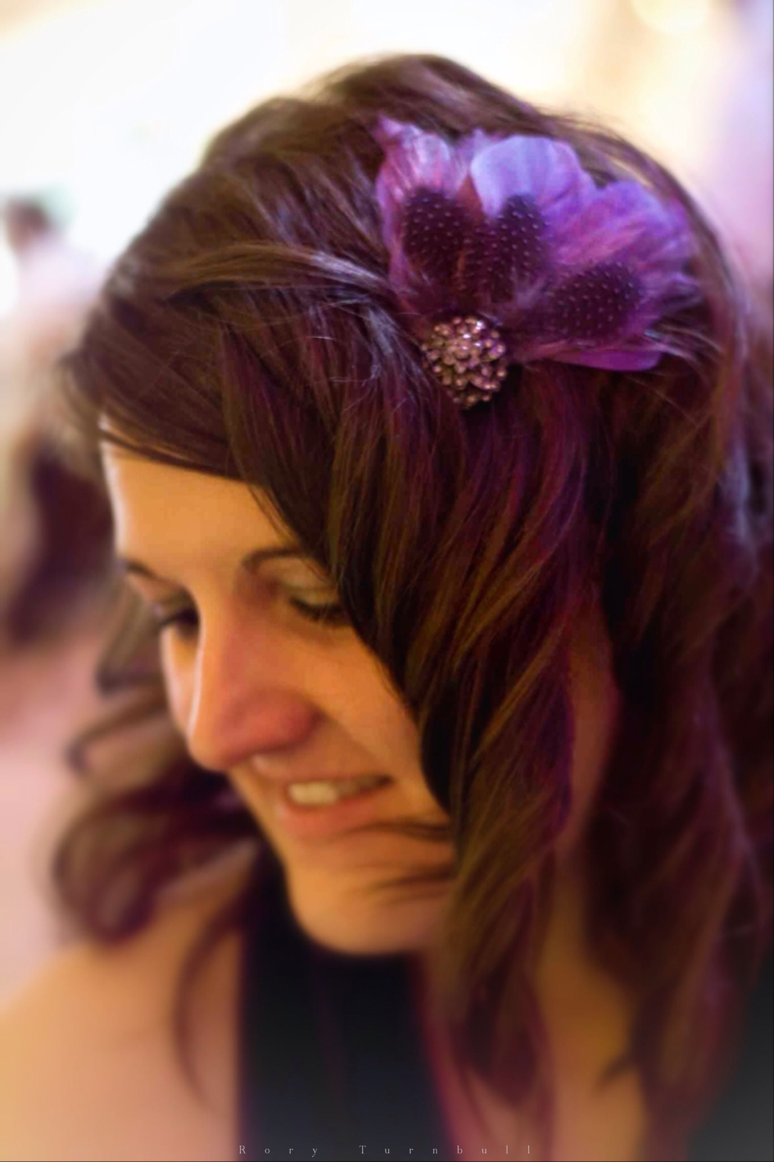 young adult, lifestyles, person, headshot, leisure activity, young women, long hair, looking at camera, focus on foreground, front view, portrait, indoors, smiling, casual clothing, close-up, head and shoulders, brown hair