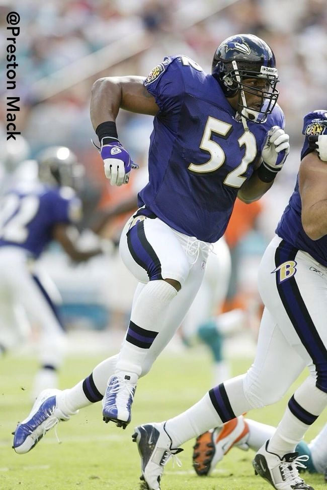 Former Miami Hurricane LB Ray Lewis is retiring after this season. This is an archive photo of him from 2003. He has played his entire pro career with the Baltimore Ravens #nfl #raylewis #baltimoreravens #ravens #nflphoto #photo #photography