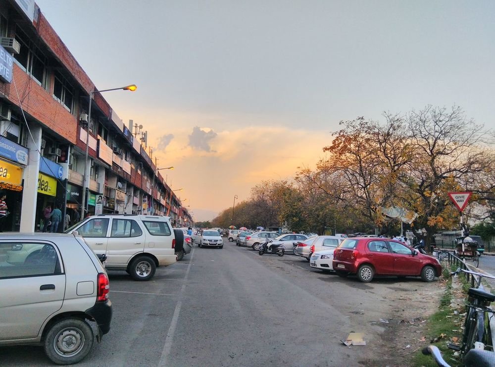 Pleasant Weather Shopping Mall Simple Photography Parking Lot
