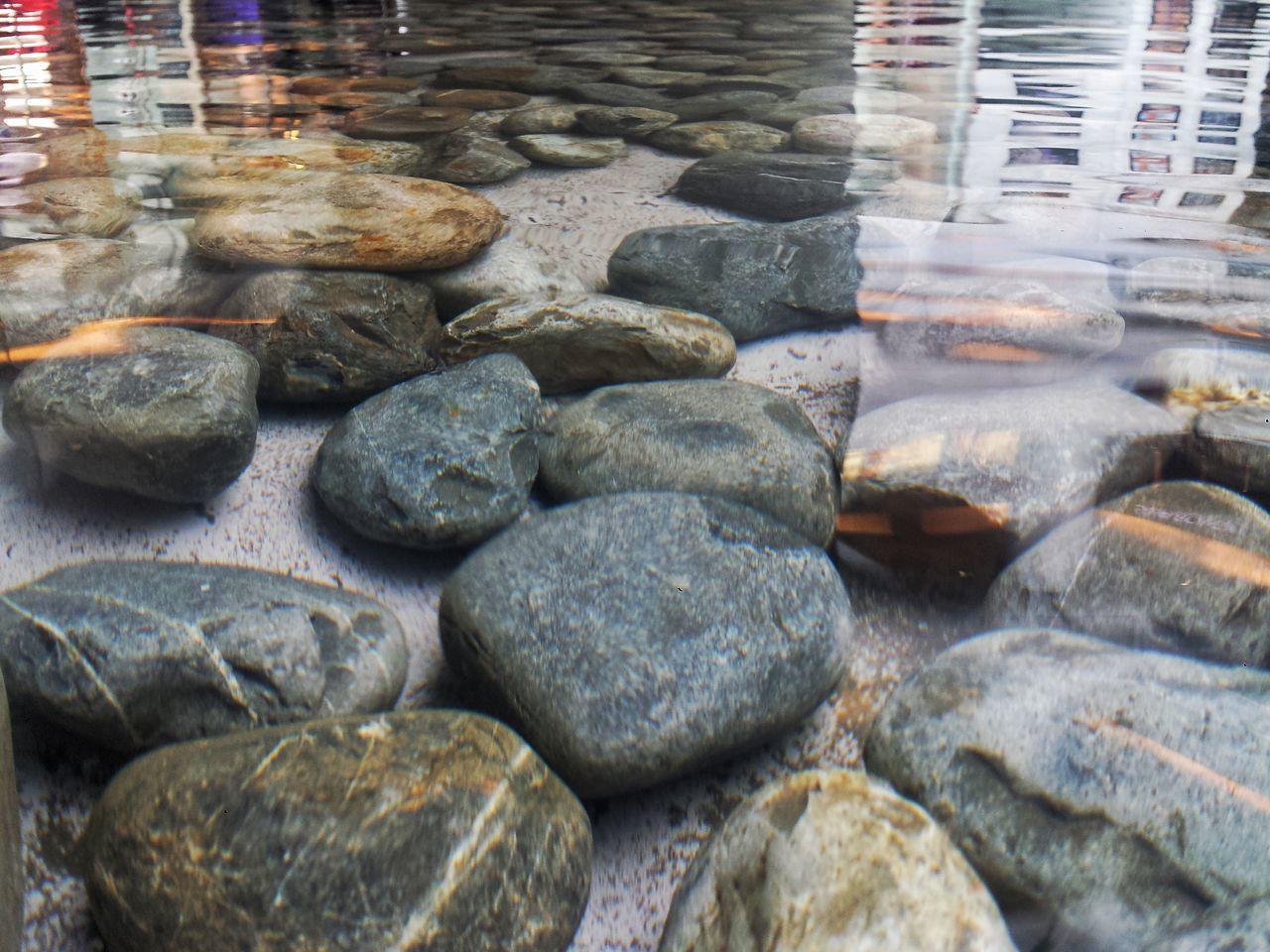 Piedras debajo del agua River Stones Water No People Backgrounds Cdmx2016 Cdmx Mexicolindo Mexico City CDMX ❤ City Life Piedras Agua Fuente