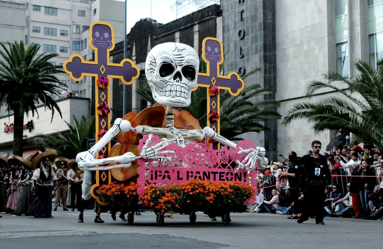 Celebration People Awesome Dark Cool MexicanGirl Fotografia City City Life Travel Orgullo Mexicano City Street Mexico City Distrito Federal  Tourist Transportation Disfruta Ciudad De México Tourism Distrito Federal  Dayofthedead Diademuertos Desfile James Bond Catrina Day Of The Dead