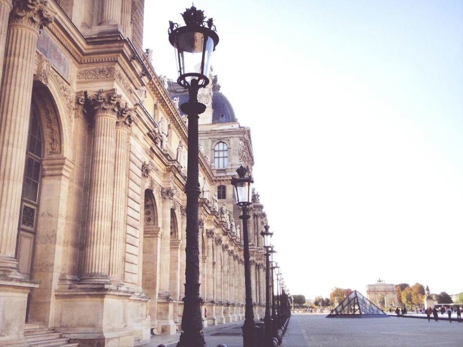 Louvre Le Louvre
