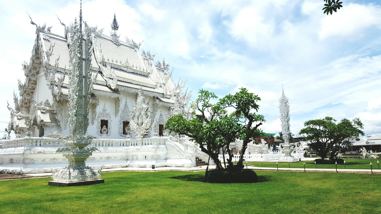 วัดร่องขุ่น เชียงราย Trips Around The World Chiangrai,Thailand Chiang Rai Chiangrai Temple Rongkhun Temple Art And Craft Tourism Travel Art White Artgallery Temple - Building