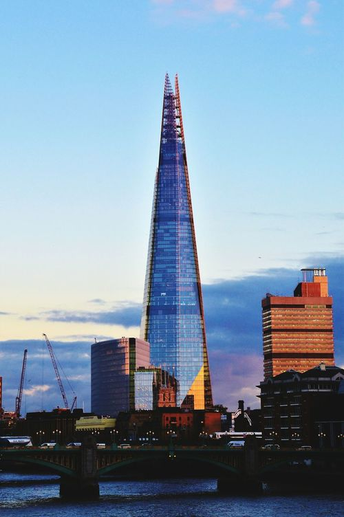 Skyscraper Travel Destinations Sunset City Tower Architecture Urban Skyline Sky Cityscape Downtown District Business Finance And Industry Uk England Lovelondon Londonthroughmycam LONDON❤ Great Britain London_only London Londonphotography Uk Londononly Theshard Postcode Postcards