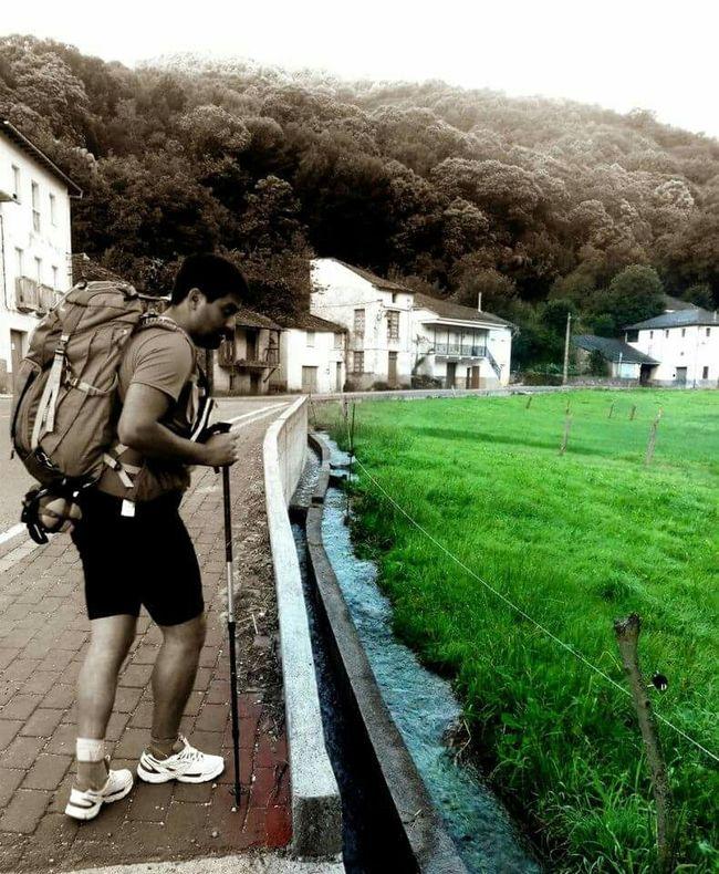 Peregrino  Galicia CaminodeSantiago Caminofrances Mochileiros Take Photos Enjoying Life