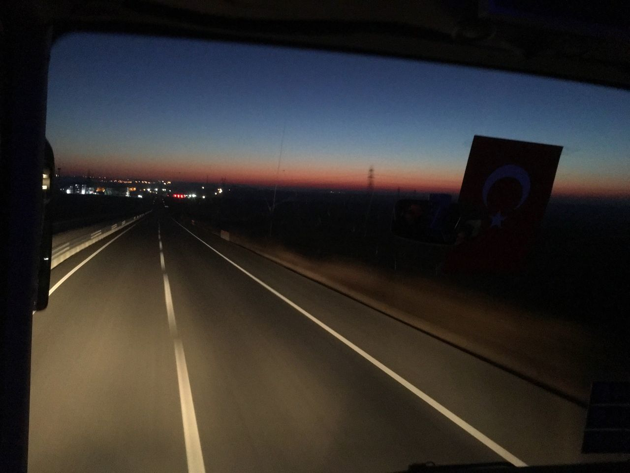 Transportation Car Illuminated Land Vehicle Road No People Sky Sunset Night Outdoors Yol Hikayeleri Sabah Morning Morning Light Morning Sky Yol Yollar Otobus Bus Bus Stop Sun Sun Rise Sun Rising Sun Rise Collection Sunrise