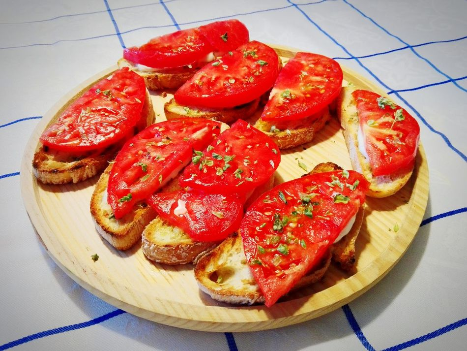Tomato Mozzarella Foodporn❤️ Foodies Food Art Mediterranean Life Mediterranean Lifestyle Summer Food Portugal Mozarella Love Tomatoes Up Close Tomatoes From My Garden , Nature