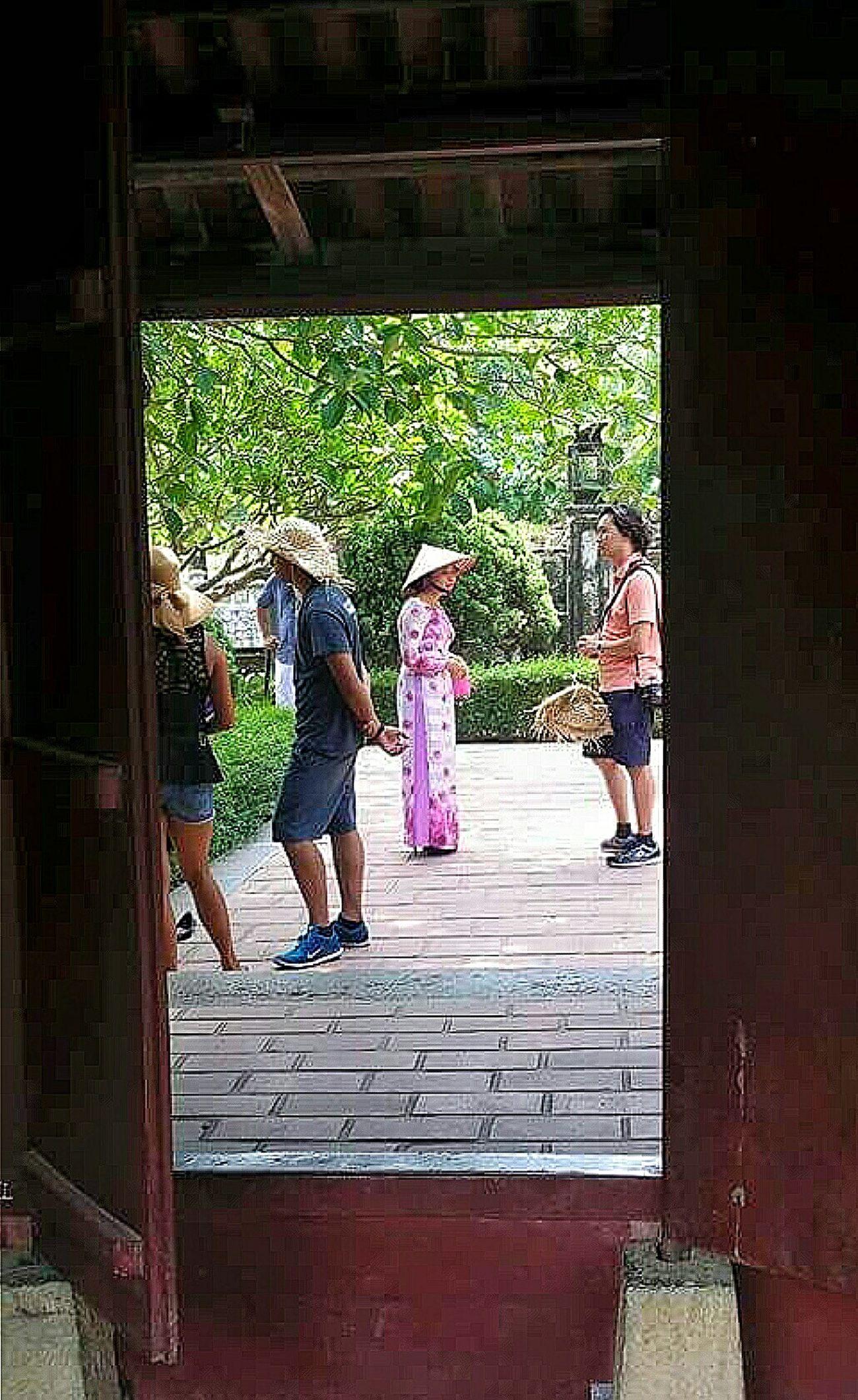 Hoa Lu Dinh Tien Hoang Temple Doorway Vietnamese Woman Traditional Dressing Non La Vietnam Travelphotography Streetphotography