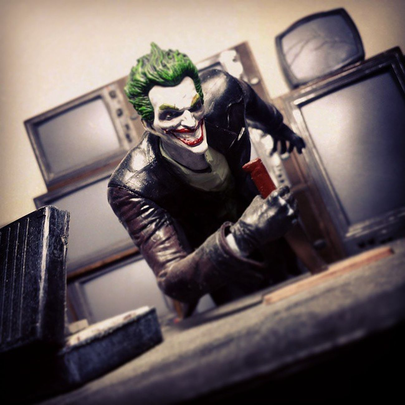 Batman Dccomics Thedarkknight Dcuniverse Dcnation DC Darkknight Joker Thejoker Clownprinceofcrime Arkhamorigins Toys Toyphotography Toypizza Toysarehellasick Toycollector Toycommunity Toycollection