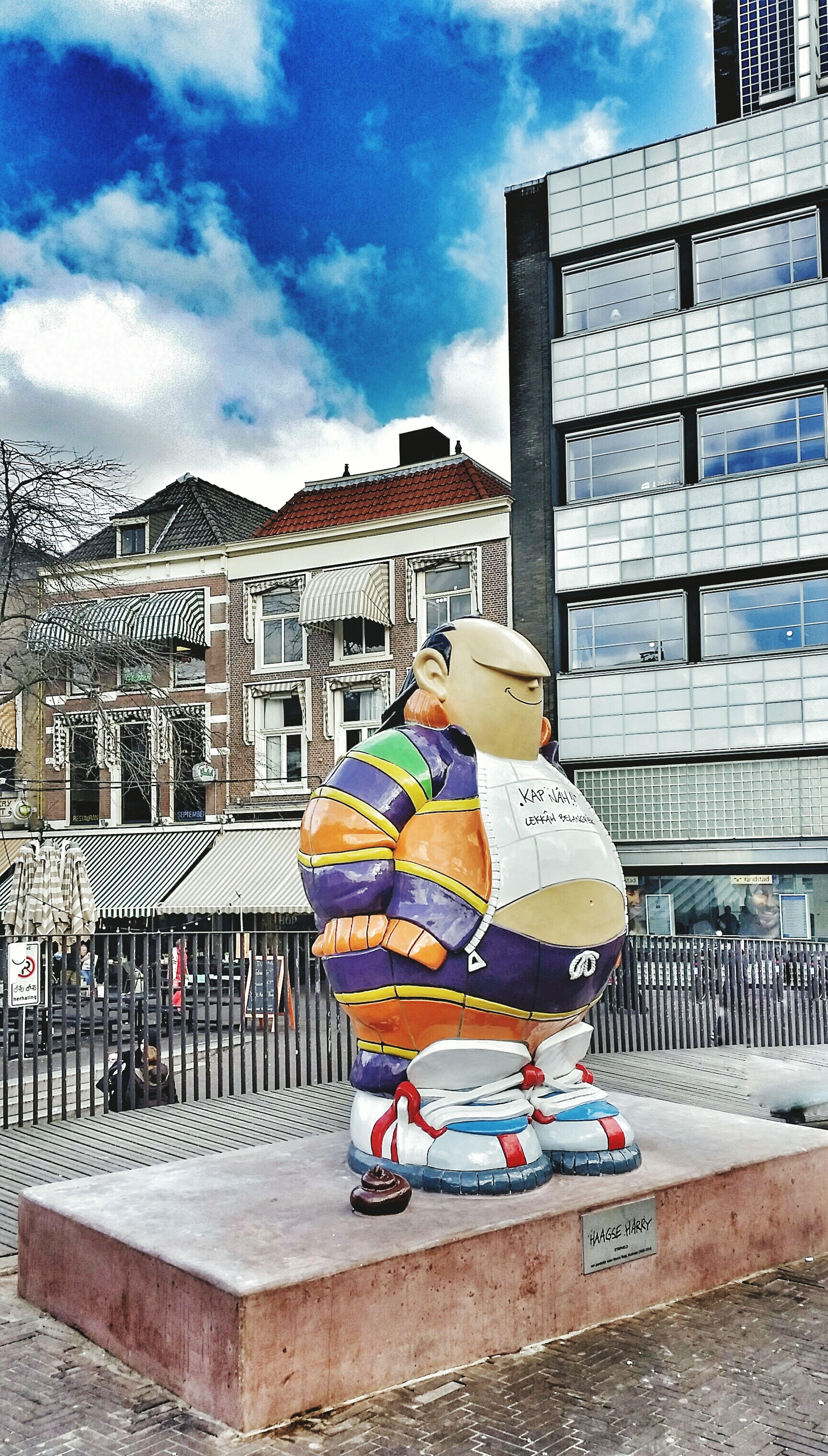 Haagse Harrie DenHaag Statue Art Taking Photos Grote Markt MarnixRueb Zwarte Ruiter Blue Sky Samsung Galaxy S5