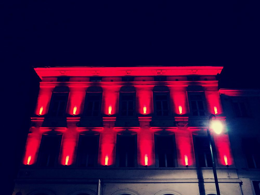 Red Color Red Illuminated Night Architecture Outdoors Built Structure City No People Building Exterior HuaweiP9 Huaweiphotography HuaweiP9 Huawei P9 Leica Streetphotography Bruxelles ❤ Bruxelles-Capital City Street Ixelles Porte De Namur Travel Destinations