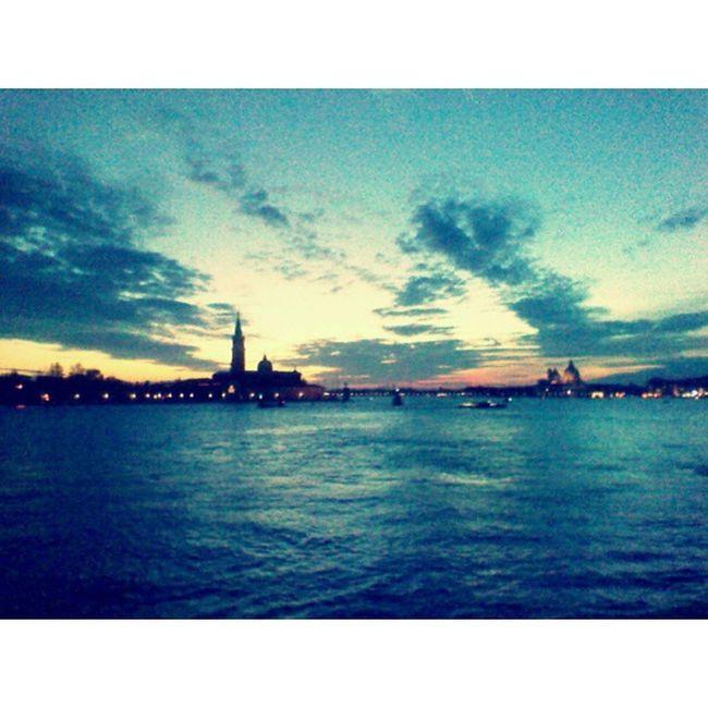 Venezia. Ricordi Venezia Gita Quarto Solocosolocose Amici Cielo Nuvole Powercam Rcnocrop Foto Photo Ph Pic Instapic Love