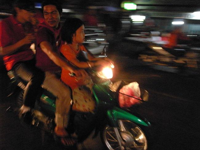 2010 Bangkok Candid Candid Photography Documentary Photography Night Street Photography Streetphotography Thailand Up Close Street Photography