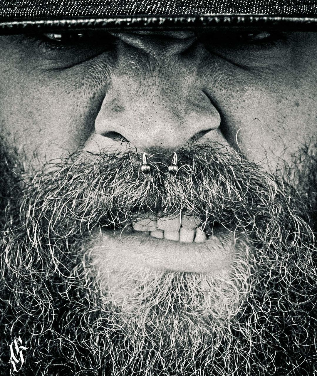 beard, only men, human face, one man only, one person, adults only, human body part, portrait, adult, real people, men, mature adult, one mature man only, people, close-up, masculinity, outdoors, day