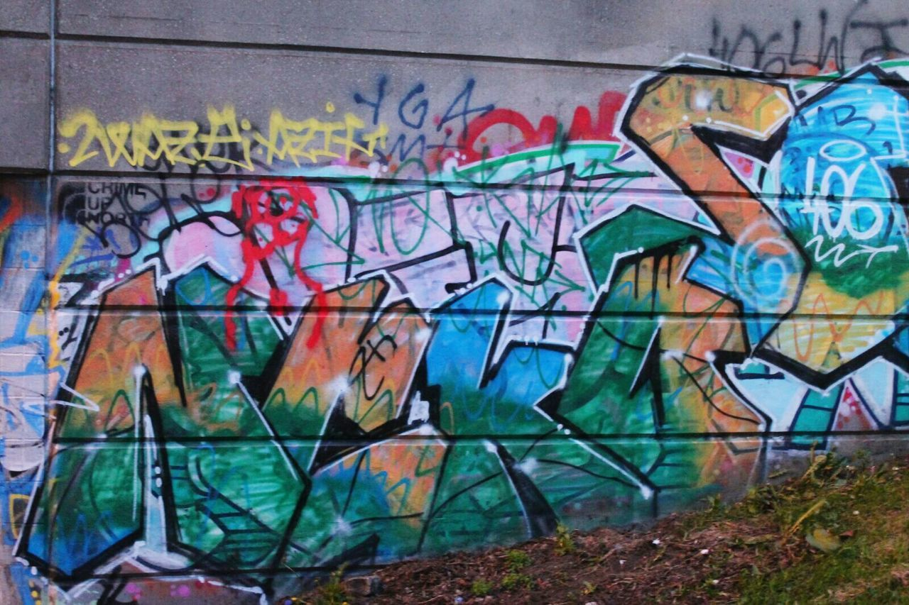 graffiti, street art, spray paint, built structure, multi colored, architecture, building exterior, no people, outdoors, day, close-up
