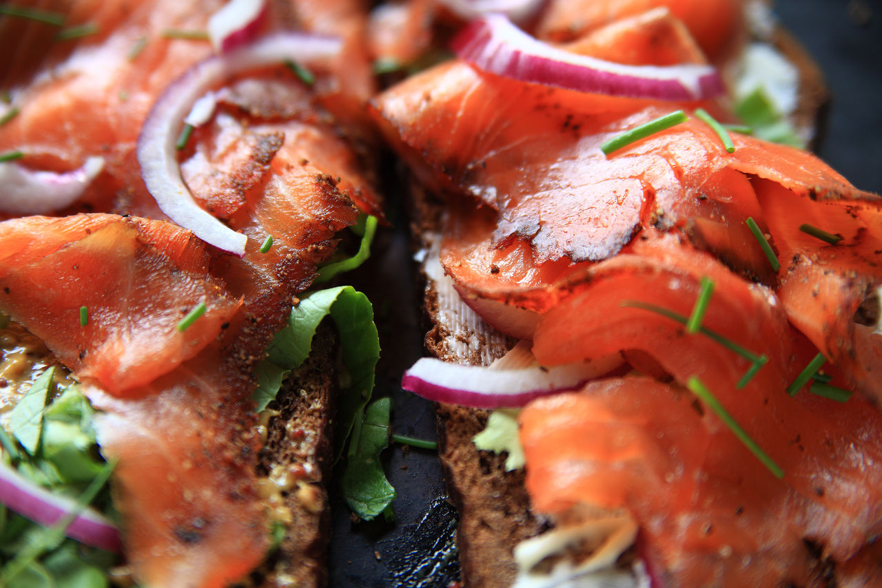 Smoked salmon sandwich on dark bread Chives Colorful Dark Bread Delicious Dinner Healthy Eating Indoors  Lettuce Lunch Meal Mustard Natural Light Nobody Pieces Ready-to-eat Red Onion Sandwich Savory Food Slices Smoked Salmon  Temptation Textures Vegetable