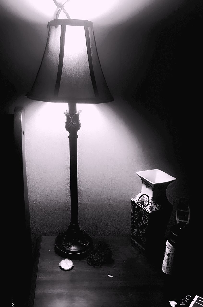 electric lamp, lighting equipment, lamp shade, indoors, illuminated, home interior, no people, floor lamp, table, side table, hanging, day