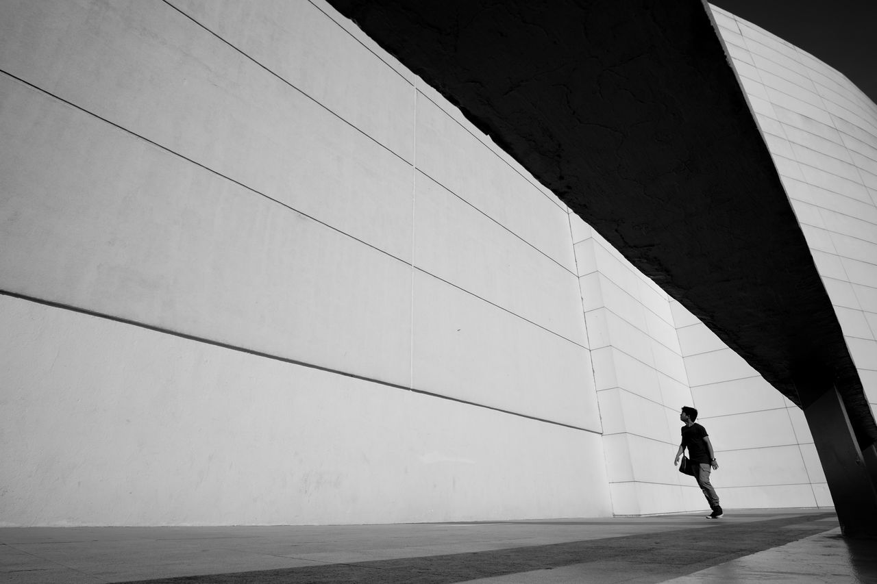 Fujifilmph Low Angle View Fujixt10 Dailyasia Eyeem Streetphotography Everyday Street ManilaStreetPhotography Streetphotography FUJIFILM X-T10 Justshoot Everydayasia Fujifilm_xseries Week On Eyeem Streetphotographyphilippines Samyang 12mm F2 Everydayphilippines Eyeem Philippines Eyeemphotography EyeEm Streets EyeEm Gallery EyeEm Best Shots People EyeEm Bnw Followme