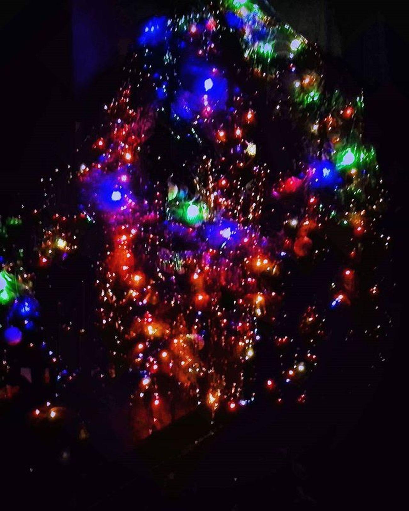 Вот такая моя новогодняя ёлка:) новогодняя_елка новогодняя_игрушка новый_год2016 новый_год праздник гирлянды New_year Christmas_tree Holiday_toy Winter Holiday