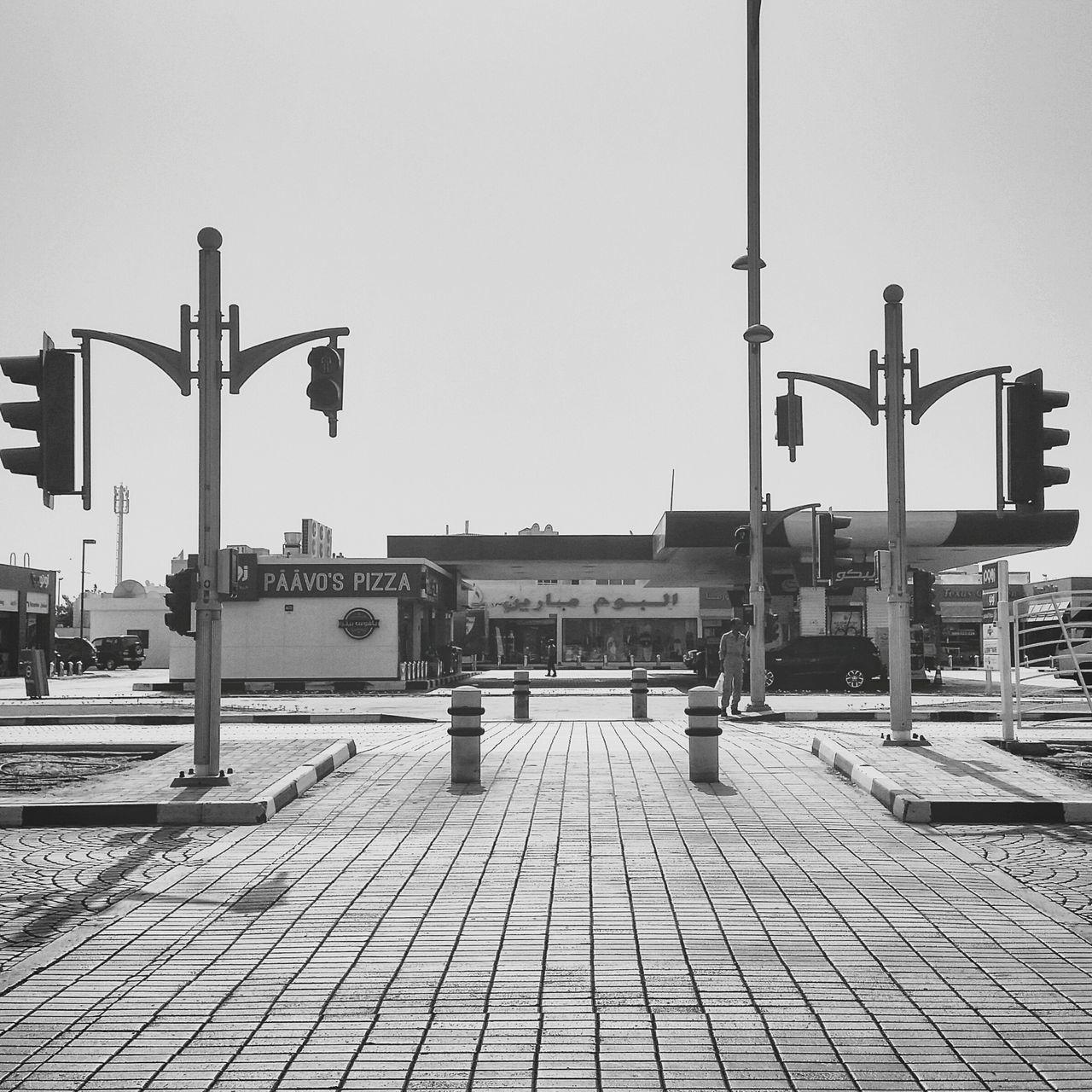 Finding New Frontiers Day Sky City Dubai Street Street Photography Photography UAE 3kshots DXB Blackandwhite Jumeirah❤️ Traficlight Bnw Blockai